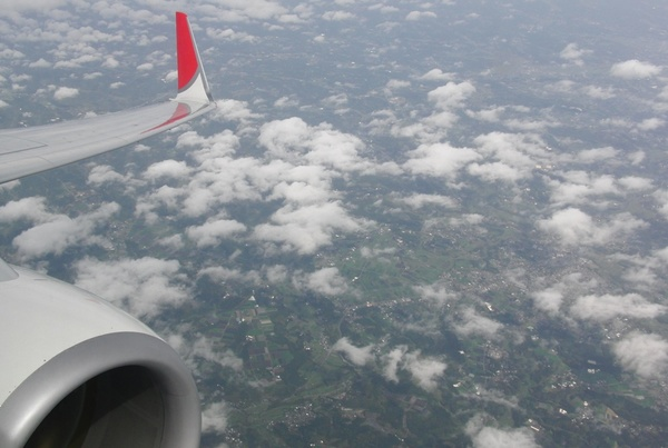 B737_JAL_sky.jpg